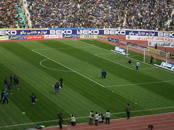 تبلیغات شرکت سیلور در استادیوم